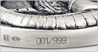 Jede Münze einzeln nummeriert